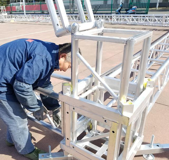 Aluminum alloy truss light frame installation 10