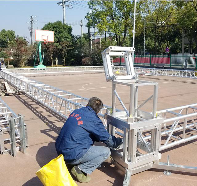 Aluminum alloy truss light frame installation 14