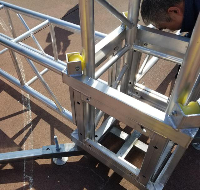 Aluminum alloy truss light frame installation 2