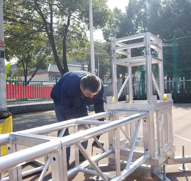 Aluminum alloy truss light frame installation 5