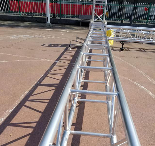Aluminum alloy truss light frame installation 7